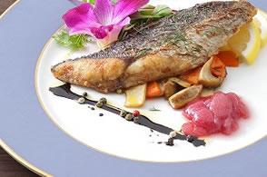 お魚ムニエルとピオーネジャム
